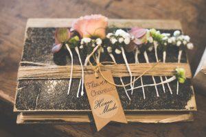 ks6a9311 1 300x200 - Le fameux, l'unique... le bouquet de la mariée!