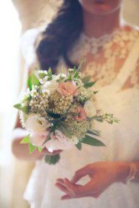 petitbouquet 200x300 - Le fameux, l'unique... le bouquet de la mariée!