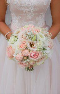 rond 193x300 - Le fameux, l'unique... le bouquet de la mariée!