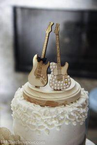 0eadba5b2e109fabf551a03239f41f53 200x300 - Le célèbre gâteau des mariés ... une tradition?