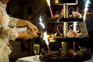 20174 304622282093 1289837 n 300x200 - Le célèbre gâteau des mariés ... une tradition?