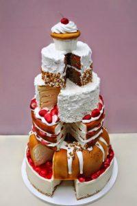 448c2add134e2666c7fe8b9a69b2d0e7 200x300 - Le célèbre gâteau des mariés ... une tradition?