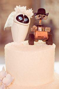 afa3fdb9c703215627b30073ce72057f 200x300 - Le célèbre gâteau des mariés ... une tradition?