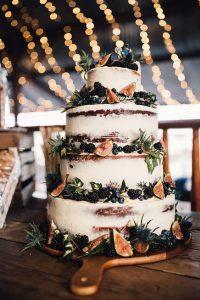 wedcake 200x300 - Le célèbre gâteau des mariés ... une tradition?