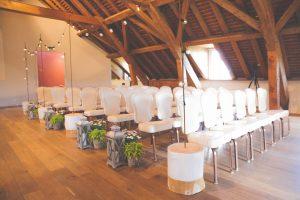 atelier de coralie photojessica amber 8 300x200 - Votre allée de cérémonie, rendez-la inoubliable avec quelques touches de décoration !