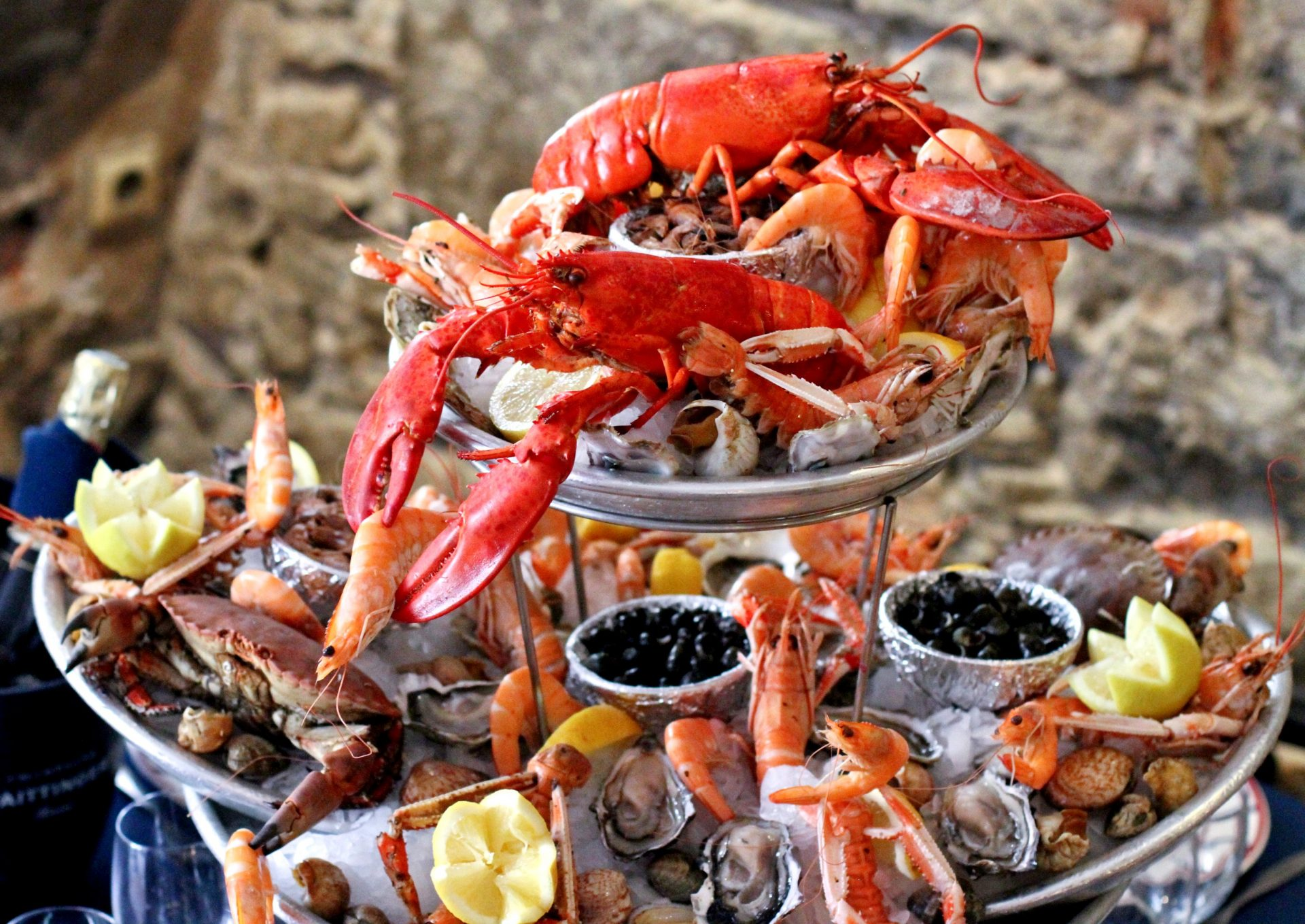 plateaux fruits de mer 3 - In Summer - Brighten your wedding with the soft rays of the sun!